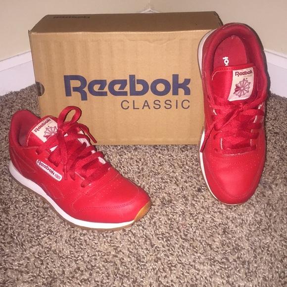 Red Reebok Classic. M 5b595c730e3b86b1384c6b24 9786a5aea